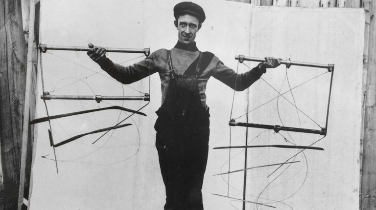 Worker with foils in 1909