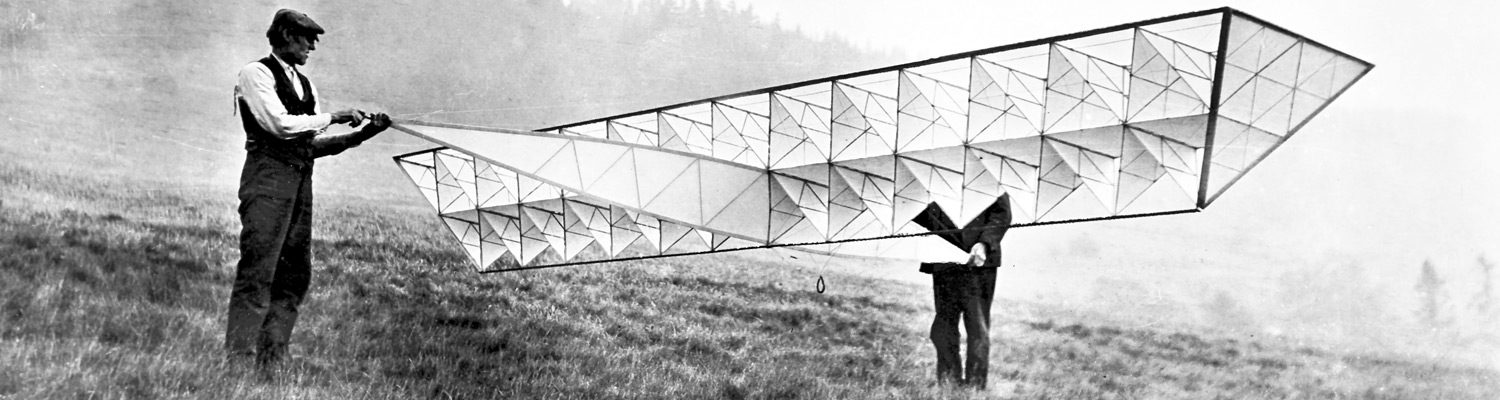 Rear surfaces of the fuselage and wing of a winged tetrahedral kite